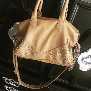 Cute gently used Steve Madden Purse Tan ❤️